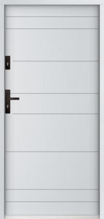 Sta Irala - puertas de entrada de hierro